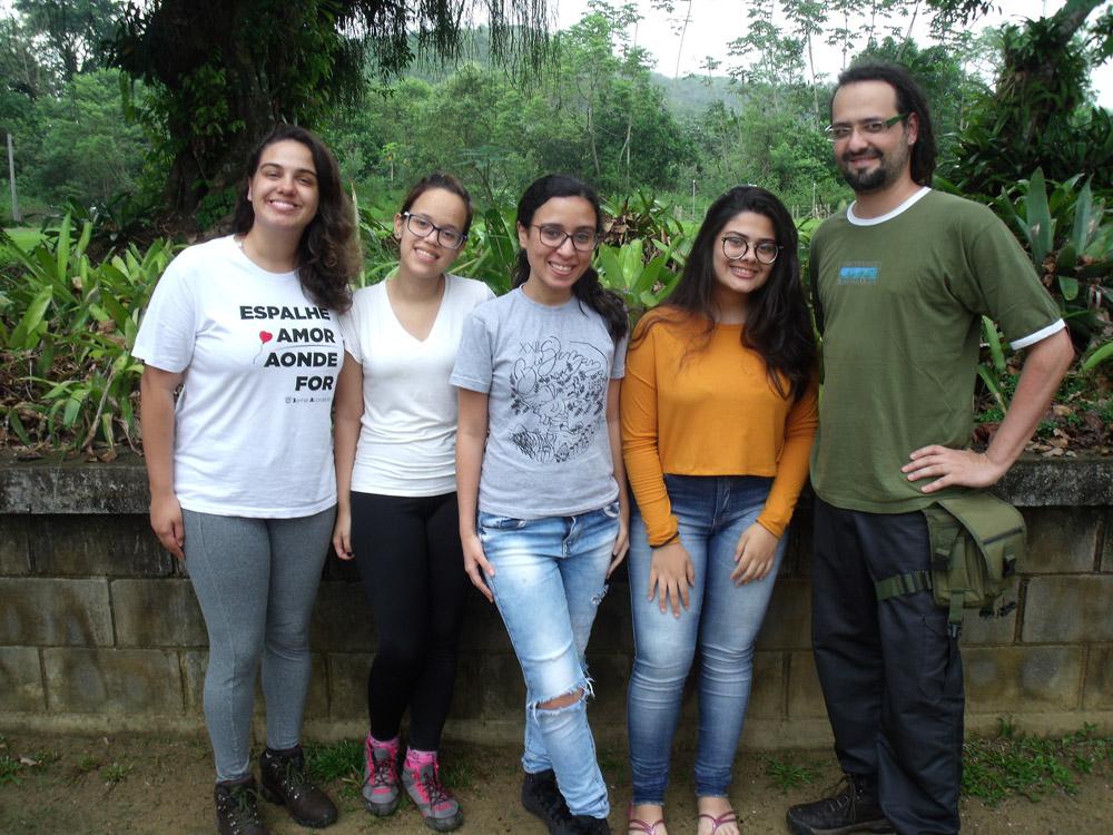 Raquel Mattos Goncolves da Costa, Ana Luiza Lima, Leticia Silveira Azevedo, Thainá Lorrane dos Santos Morais